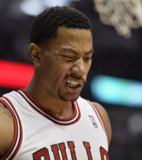 Bulls-Derrick-Rose-to-have-injured-right-knee-checked-out
