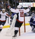cropped_2017-04-20T021418Z_958650572_NOCID_RTRMADP_3_NHL-STANLEY-CUP-PLAYOFFS-WASHINGTON-CAPITALS-AT-TORONTO-MAPLE-LEAFS