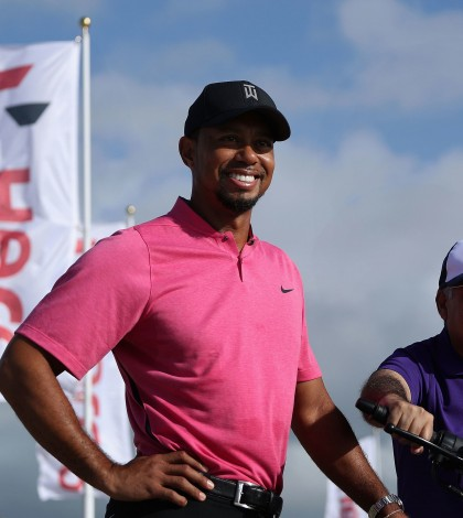 tiger-woods-hero-world-challenge-2016-tuesday-outside